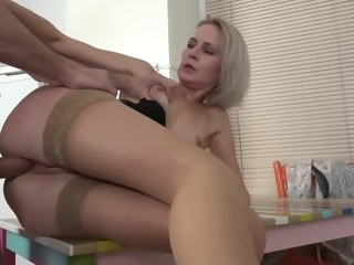 upskirt HQ blonde video voyeur