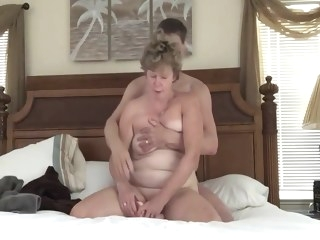 squirt HQ milf video blowjob