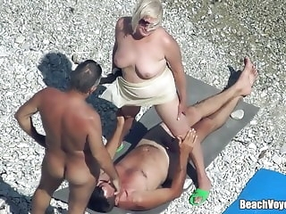 beach HQ mature video hidden camera